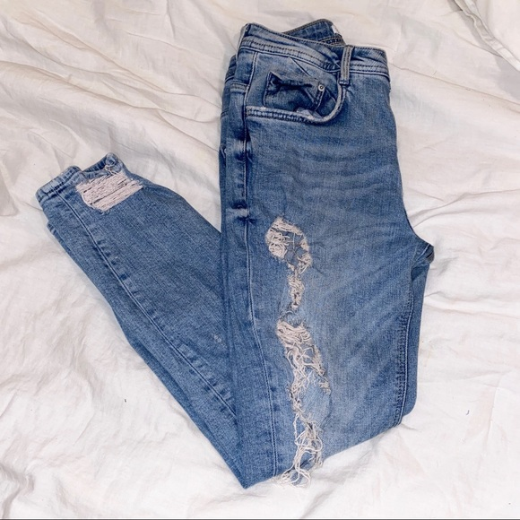 ZARA ripped mid rise jeans